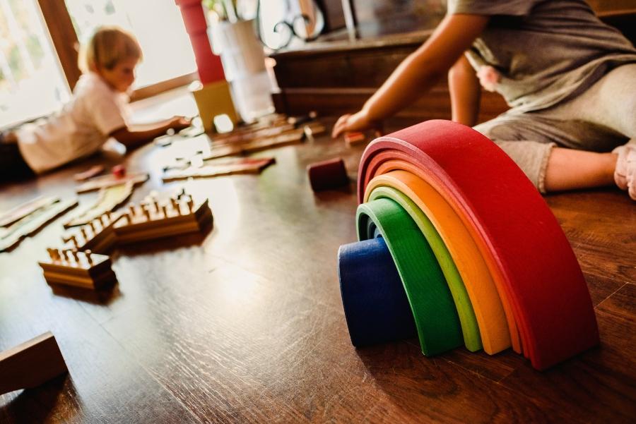 Waldorfschule, Symbolbild mit Kindern - Privatschule gründen